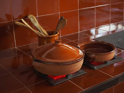 safest cookware material - clay ceramic