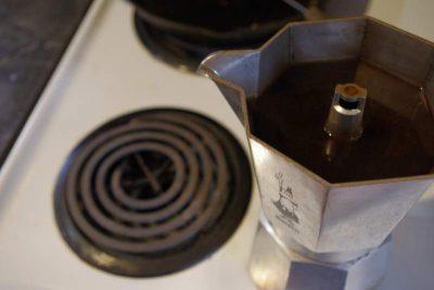 how to use a moka pot step 7
