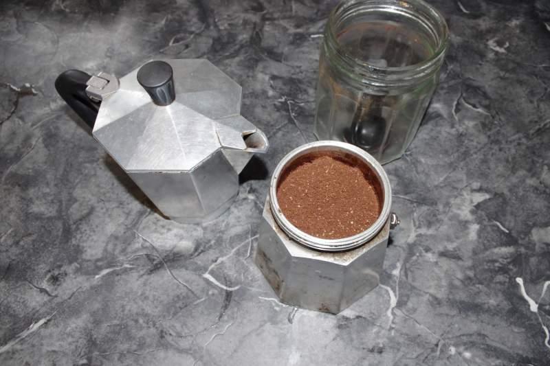 how to use a moka pot step 5